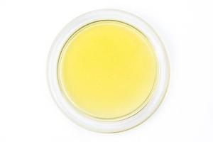 olej konopny w misce